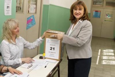 Pechén votó en Villa la Angostura. Foto: laangosturadigital.com.ar