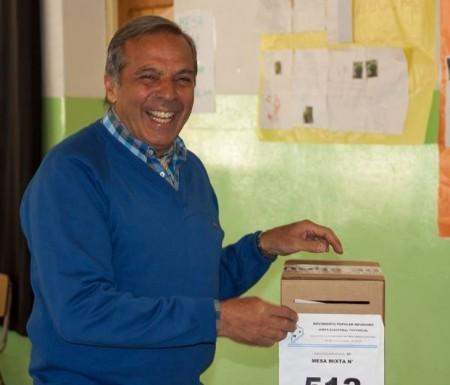 Sapag emitió su voto en San Martín de los Andes.