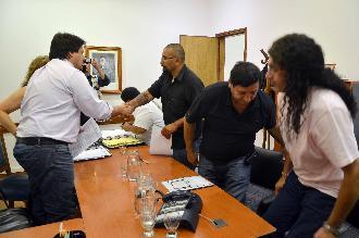 Los gremios aceptaron el bono de 2000 pesos del gobierno