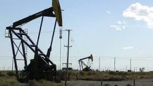 La caída en los precios del petróleo pega con fuerza en el interior de las empresas.
