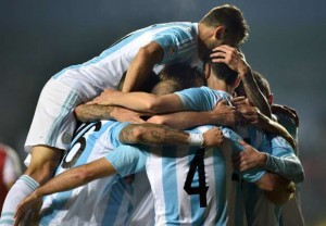 argentina-paraguay-copa-america-celebrate-semi-final_1aygi0widpbx21fbmd63gezhkn
