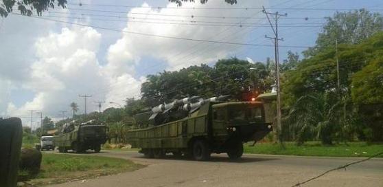 venezuela moviliza tropas