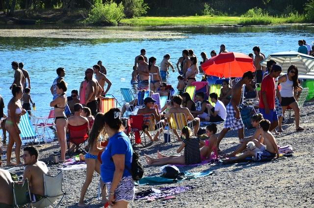 Desde la subsecretaría de Deporte y Juventud se informó que el domingo más de 35 mil vecinos se acercaron a los balnearios.