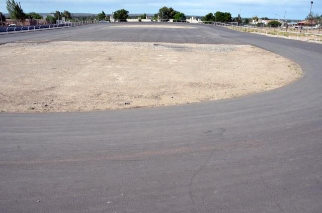 Además de contar con nueva superficie los patinódromos también poseen playón polideportivo.