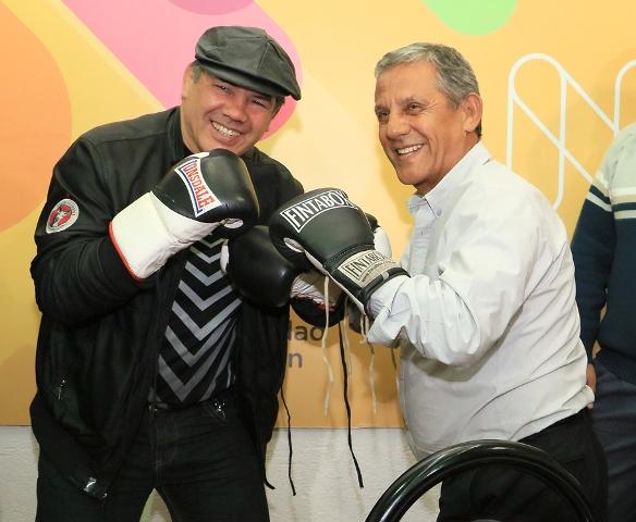 """""""Quisiera que a Neuquén se lo conozca también por sus actividades de boxeo"""", dijo Quiroga."""