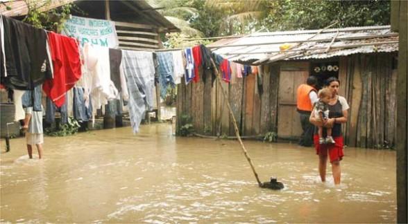 inundaciones_bolivia_mujeres