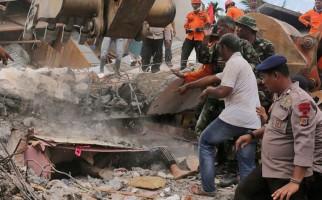 en-indonesia-se-eleva-a-97-el-numero-de-victimas-tras-sismo-770x470