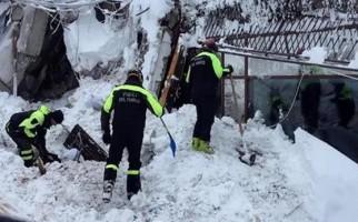 hallan-seis-supervivientes-en-hotel-italiano-sepultado-por-alud