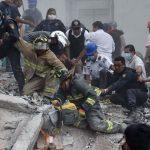 Terremoto México: Maestros y alumnos envían mensajes desde los escombros