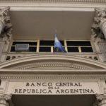 El Banco Central implementaría 5 medidas para frenar la suba del dólar