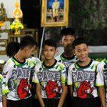 Dieron de alta a los 12 chicos rescatados de la cueva y hablaron con la prensa