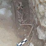 """Hallaron la tumba de un """"niño vampiro"""" y los arqueólogos quedaron desconcertados"""