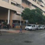Locura: Un hombre de 50 años tiró por el balcón a la hija de 6 años de un amigo y luego se suicidó