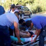 Padre e hijo fueron rescatados por la policía cuando se ahogaban en un canal