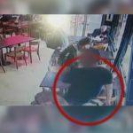 Robó varios locales, lo atraparon en un restaurante y lo lincharon