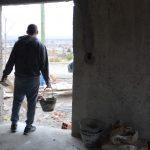 Solicitan jóvenes albañiles, plomeros, gasistas y cocineros para vacantes laborales en Neuquén