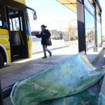 Paradores del metrobus blanco del vandalismo