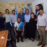 Peressini otorgó tierras a la comunidad boliviana