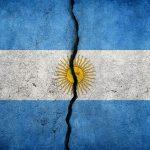 Las críticas golpearon a Macri, y ahora contraatacan a los Fernández