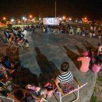 Senillosa: El cine al aire libre llegó para quedarse durante el verano
