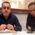 Un pastor agredió a su esposa sin saber que estaba transmitiendo en vivo por redes sociales