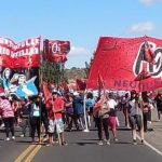 Las organizaciones sociales retomaron las calles y acamparán en los tres puentes carreteros