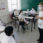 COVID-19: hoy comienza la vacunación a docentes