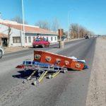 Imágenes impactantes: coche fúnebre perdió un ataúd en plena ruta en Senillosa