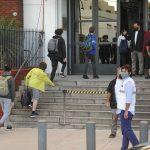 Brote de 43 casos de covid en una escuela: temen que sea la Delta