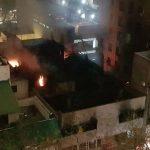 Grave incendio dejó bomberos intoxicados y caos vehicular